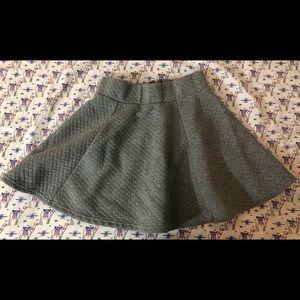 H&M grey skirt